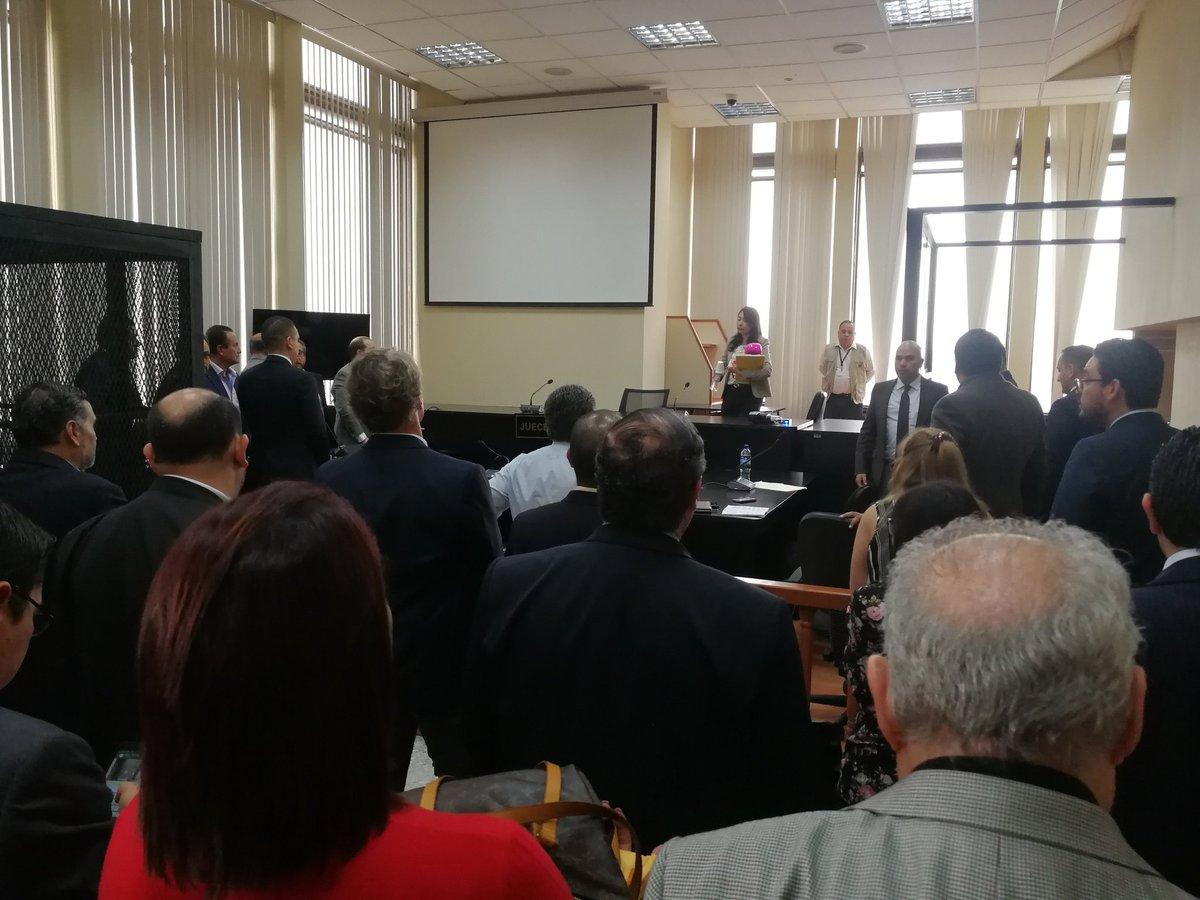 El 14 de septiembre del 2018 el fiscal Carlos Videz imputó delitos a 14 sindicados en la fase dos del caso Construcción y Corrupción. (Foto Prensa Libre: Hemeroteca)