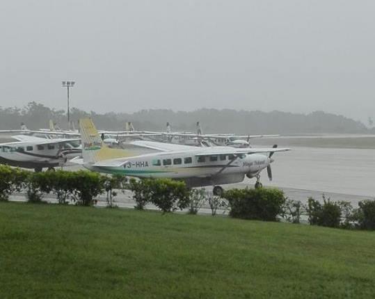 Aeropuerto Mundo Maya, en Flores, Petén, donde la avioneta habría efectuado maniobras y antes de que autoridades le perdieran el rumbo. (Foto Prensa Libre: DGAC)