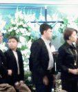 Amigos y famliares del abogado Francisco Palomo velan sus restos en funeral Reforma, zona 9. (Foto Prensa Libre: Estuardo Paredes).
