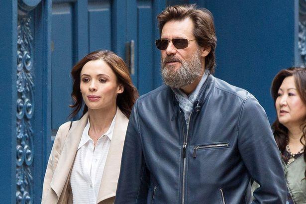 Jim Carrey junto a Cathriona White, en Nueva York (Foto Prensa Libre: Daily Mirror).