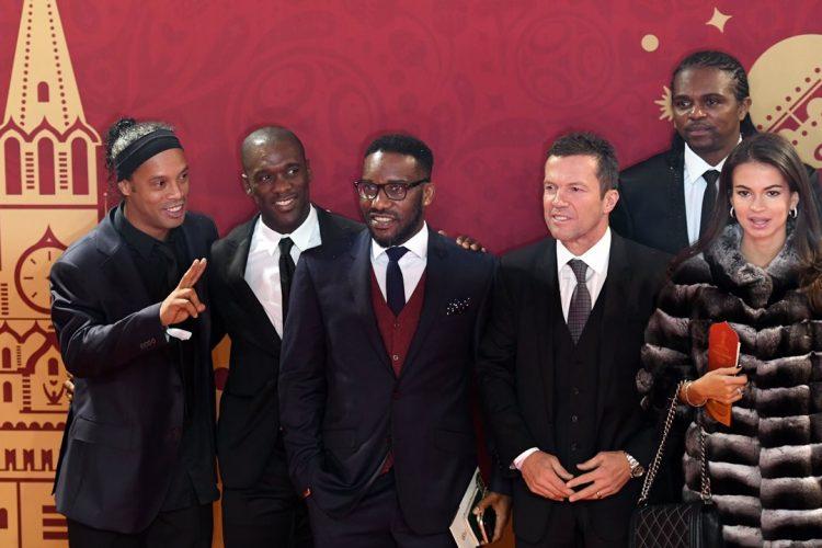 Ronaldinho, Clarence Seedorf  y Nwankwo Christian Kanu vivieron de cerca el sorteo. (Foto Prensa Libre: AFP)