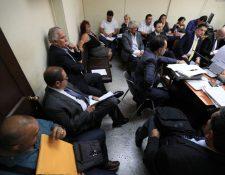 Sindicados en el caso Fraijanes 2 durante la audiencia de este jueves. (Foto Prensa Libre: Carlos Hernández).