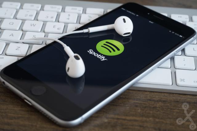 Spotify está lanzando una advertencia a todos los usuarios con cuentas piratas. Si el comportamiento sigue, la compañía podría cancelar las cuentas fraudulentas. (Foto Prensa Libre: Hemeroteca PL).