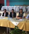 Autoridades de Quiché y Baja Verapaz efectuaron una reunión pero no llegaron a ningún acuerdo.(Foto Prensa Libre: Héctor Cordero)
