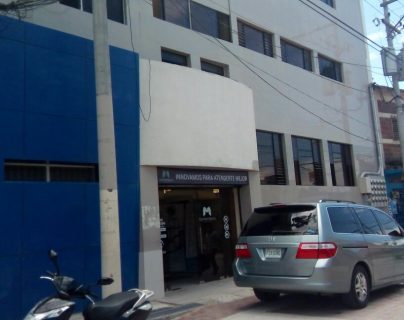 La magistrada fue trasladada a un hospital privado.(Foto Prensa Libre: Mario Morales)
