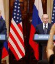 El presidente estadounidense, Donald J. Trump (i), y su homólogo ruso, Vladimir Putin (d), ofrecen una conferencua de prensa en Helsinki, Finlandia. (Foto Prensa Libre:EFE)