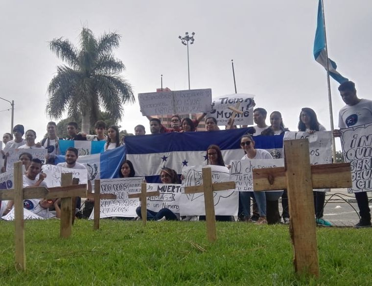 Jóvenes centroamericanos se reúnen en Guatemala para promover una Centroamérica unida y sin violencia. (Foto Prensa Libre: Cortesía Jóvenes Contra la Violencia)
