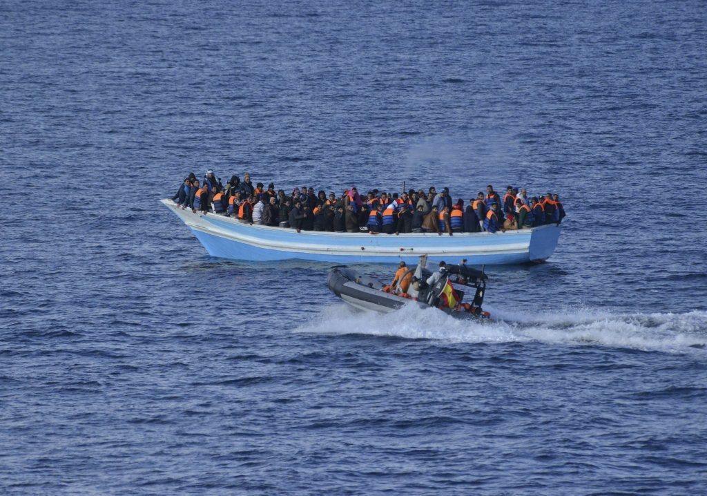 Al menos tres mil 770 inmigrantes murieron en 2015 intentando cruzar el Mediterráneo