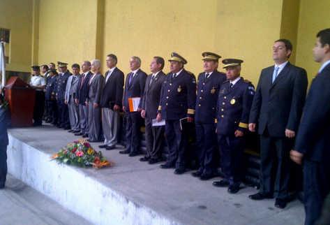 El gobernante Otto Pérez preside el acto para el nombramiento de la nueva cúpula policial. (Foto Prensa Libre: Julio Lara)
