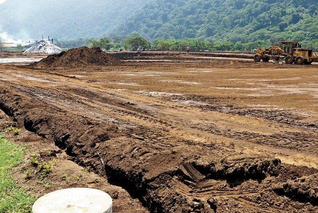 La construcción de la planta que se ubicará el Parque Industrial Michatoya ya comenzó, y prevén que estará lista en el primer trimestre del 2018. (Foto Prensa Libre: Enrique Paredes)