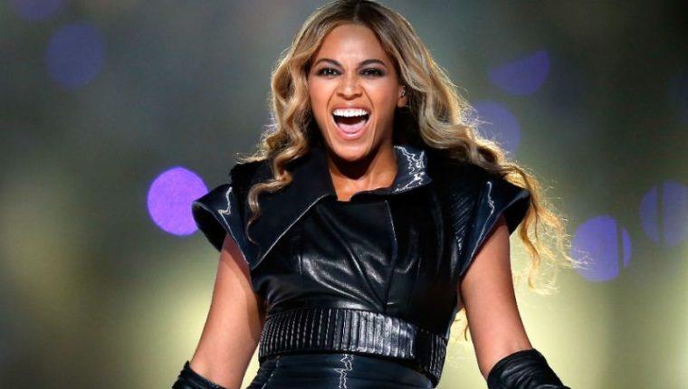 Beyoncé es una de las artistas más prominentes, y también una de las más reservadas. En esta entrevista, la cantante revela muchos detalles sobre su embarazo y su carrera. (Foto Prensa Libre: AFP).