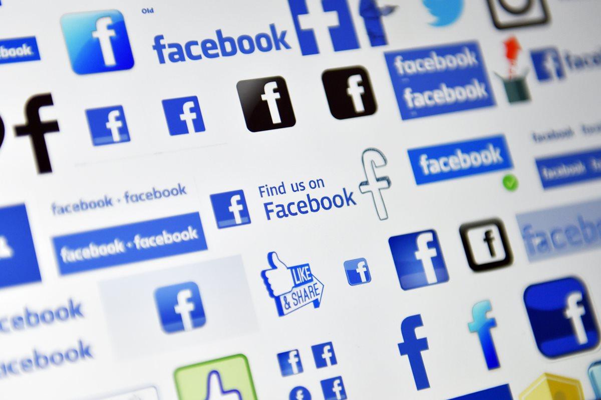 Facebook suspendió Cambridge Analytica, la firma de análisis de datos contratada por la campaña presidencial de 2016 Donald Trump. (Foto Prensa Libre: AFP)