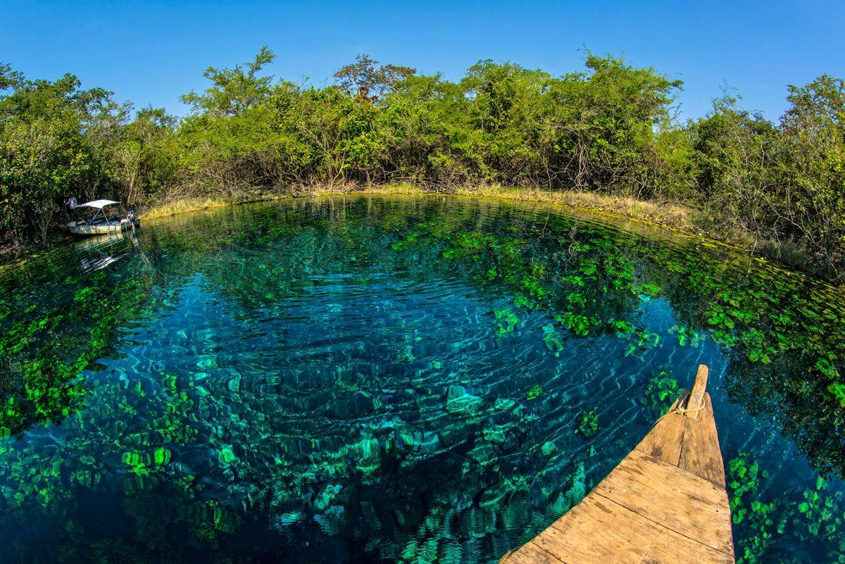 Cráter Azul se caracteriza por sus aguas tranquilas y cristalinas.