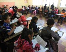 Monitereo de Empresarios por la Educación señala que este año no se logró con la meta de 180 días de clases, la cifra alcanzada en promedio fue de 176. (Foto Prensa Libre: Hemeroteca PL)