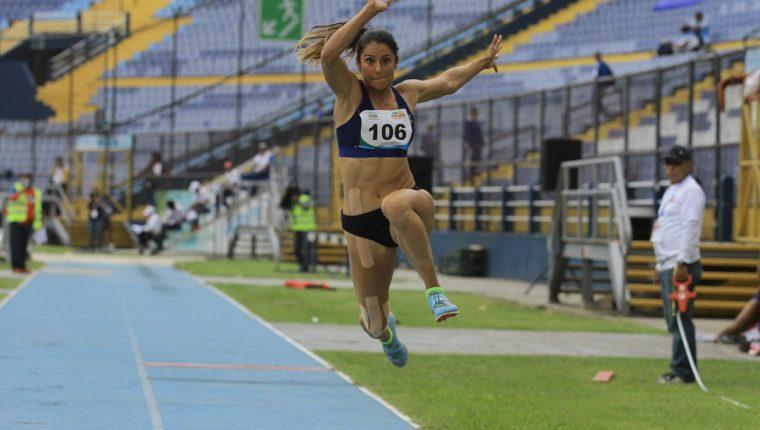 Thelma Fuentes fue la mejor en la prueba de triple salto femenino. (Foto Prensa Libre: Cortesía CDAG)