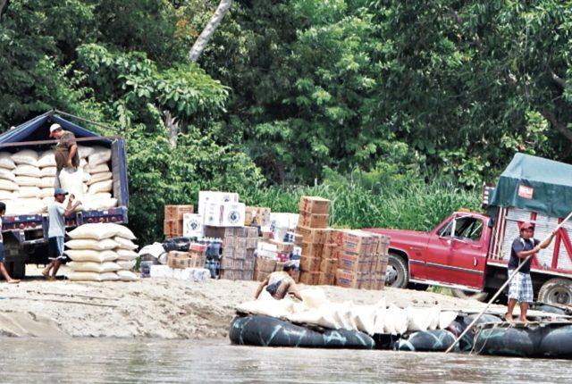 La tercera parte de los productos que se venden en el país procede del contrabando, especialmente con México, afirman industriales.(Foto Prensa Libre: Hemeroteca)
