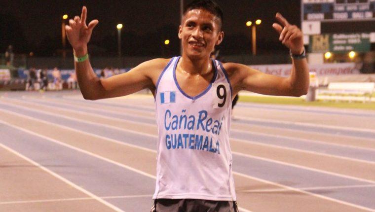El corredor juvenil se mostró satisfecho por establecer una nueva marca mundial.