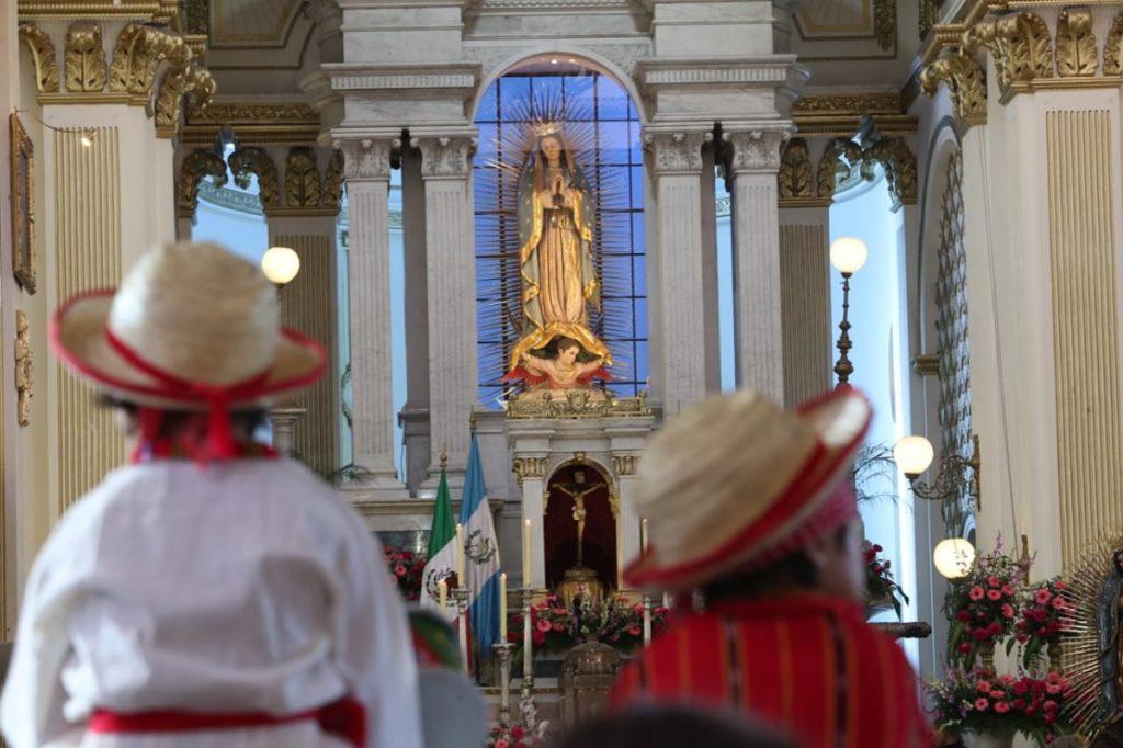 """Según los relatos, la """"aparición de la Virgen"""" al pastor indígena Juan Diego sucedió en 1531 en el Cerro del Tepeyac en México."""
