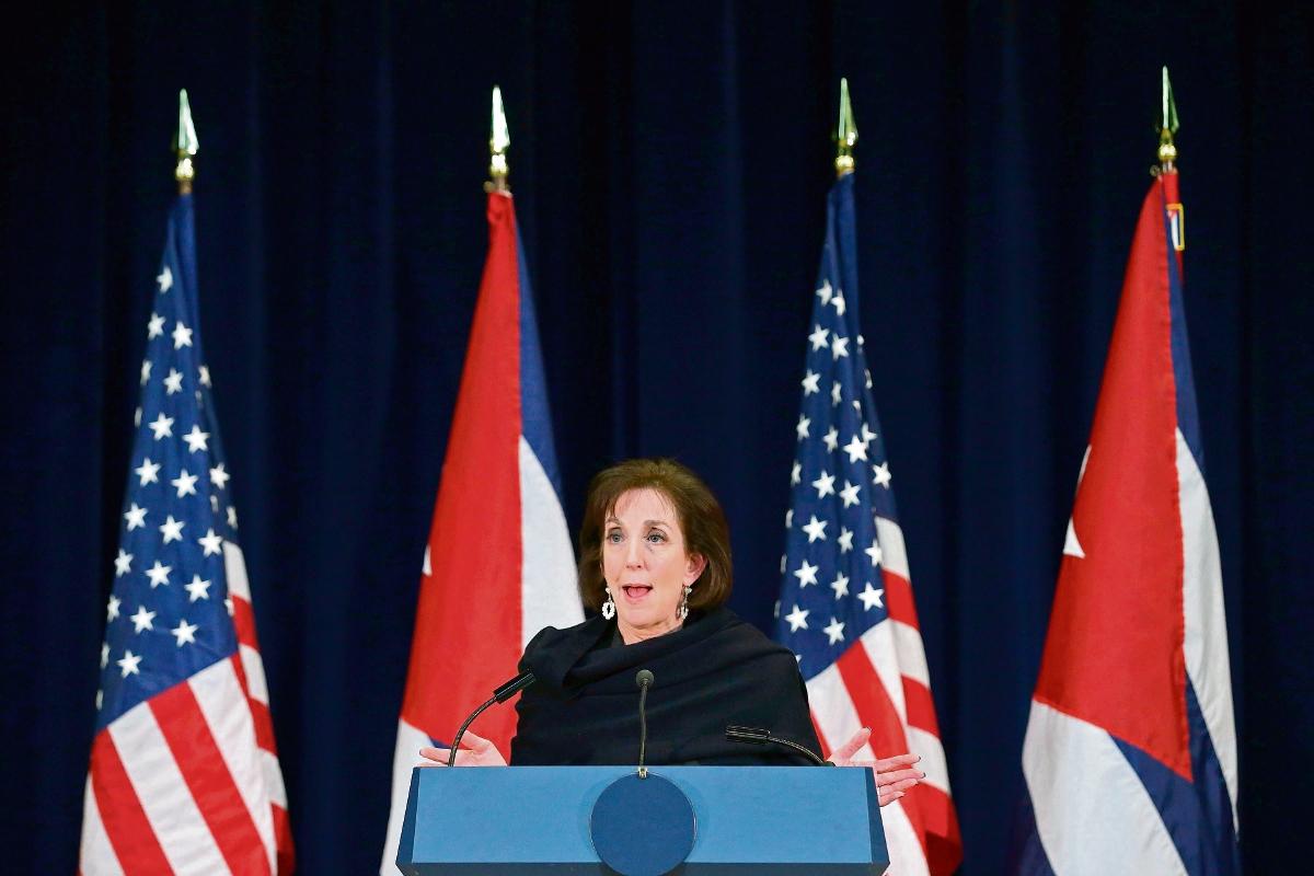 ROBERTA JACOBSON responde a preguntas sobre las conversaciones con Cuba. (AFP)