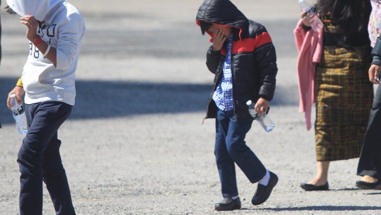 Menores guatemaltecos siguen siendo deportados desde Estados Unidos y muchos de ellos fueron separados de sus padres al cruzar la frontera de ese país. (Foto: Hemeroteca PL)