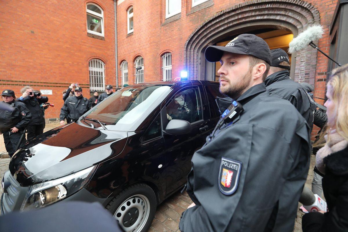 Puigdemont permanecerá detenido en Alemania a la espera de ser extraditado a España