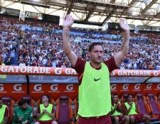 Francesco Totti fue ovacionado por los aficionados. (Foto Prensa Libre: AFP)