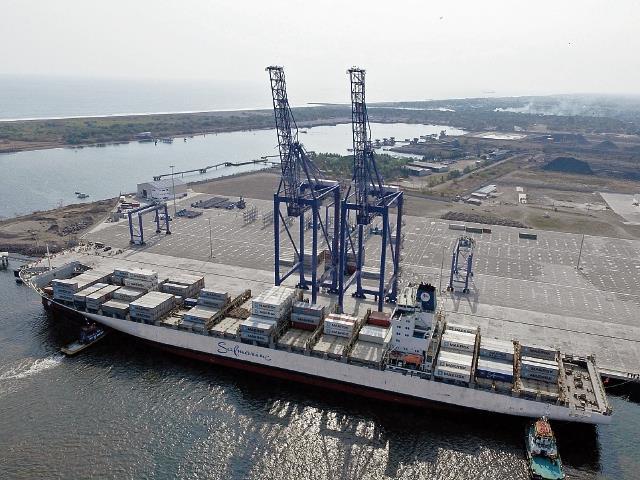 SAT perdería la administración de puertos como la Terminal de Contenedores Quetzal. (Foto: Hemeroteca PL)