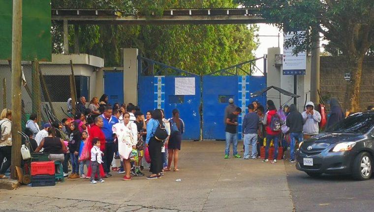 La entrada al sector de Fraijanes donde está la cárcel Pavoncito. (Foto Prensa Libre: Erick Avila)