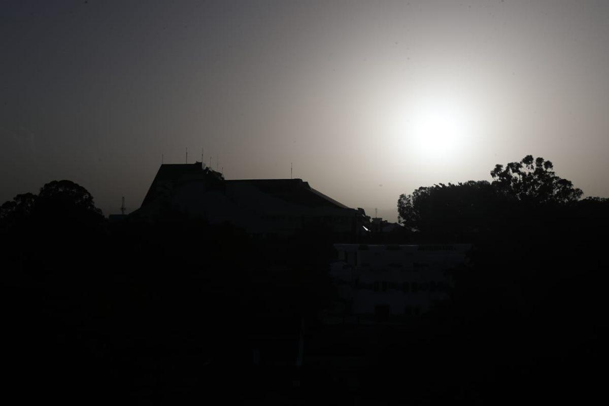 Polvo del Sahara vuelve a sorprender a los guatemaltecos