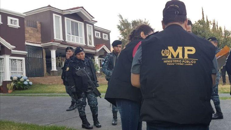 Los más de 90 allanamientos se efectúan en al menos seis departamentos de Guatemala. (Foto Prensa Libre: PNC)