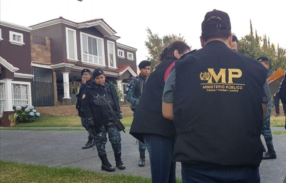 Agentes de la PNC integraban una banda dedicada al tumbe de droga