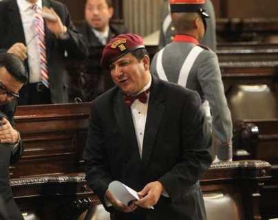Diputado Estuardo Galdámez afina propuesta de ley contra el pánico social