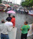 Caminata concluyó en el parque central de la cabecera de Retalhuleu. (Foto Prensa Libre: Jorge Tizol)