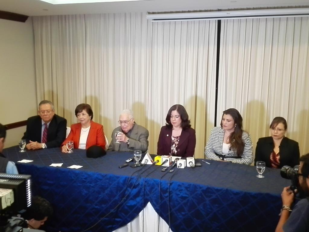 Magistrados y jueces piden la renuncia de Blanca Stalling