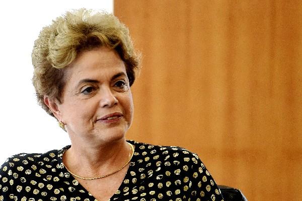 Dilma Rousseff durante una reunión con el Secretario General de la OEA.(AFP).