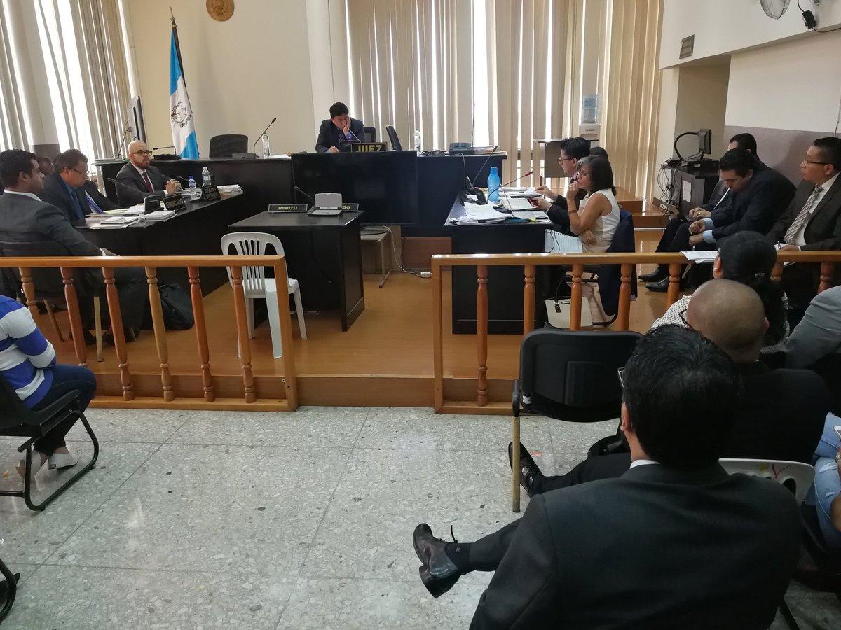 La audiencia de revisión se realizó en el Juzgado Undécimo Penal. (Foto Prensa Libre: Kenneth Monzón)