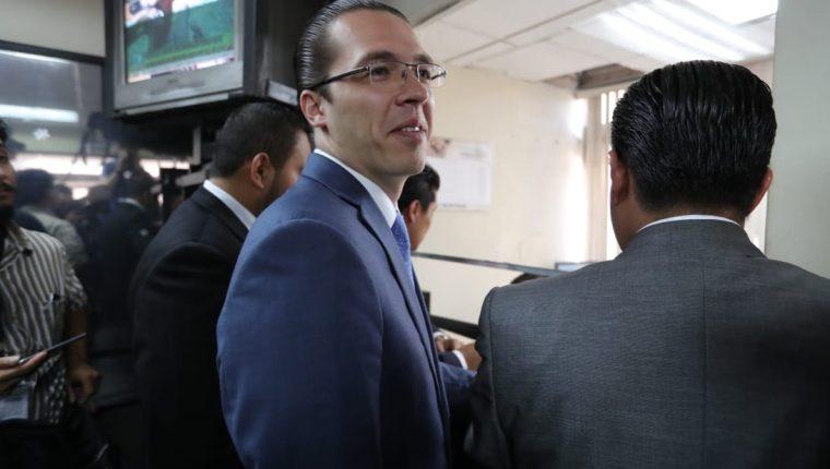 Felipe Alejos, vicepresidente del Congreso señalado por el caso Traficantes de Influencias, presentó denuncias en Gestión Penal de Tribunales contra investigadores del MP. (Foto Prensa Libre: Estuardo Paredes)