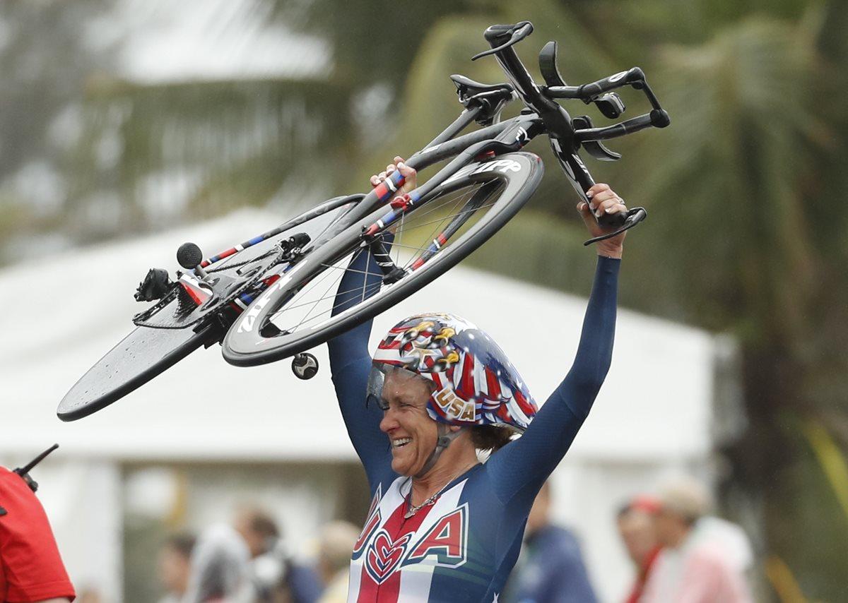 Armstrong se cuelga el oro en la contrarreloj femenina de Río 2016
