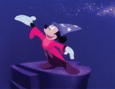Escena del filme Fantasía con Mickey Mouse como protagonista, donde la música clásica es fundamental. (Foto Prensa Libre: EFE)