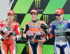 Marc Márquez superó a Dovizioso y Jorge Lorenzo y saldrá desde la pole. (Foto Prensa Libre: AP)