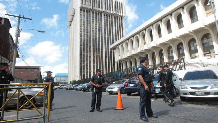 Juzgado Undécimo ordenó las capturas por la posible comisión de cinco delitos. (Foto Prensa Libre: Hemeroteca PL)