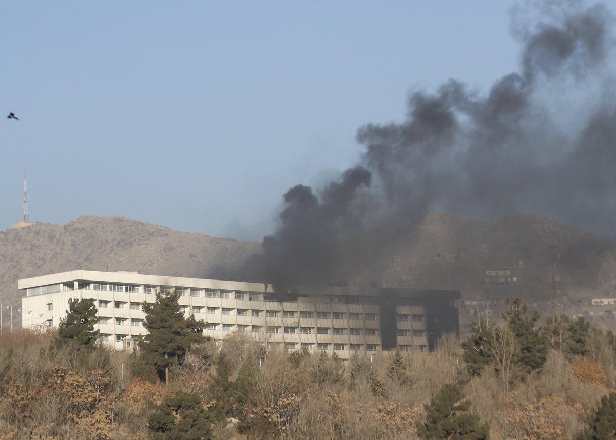 Una veintena de muertos en ataque talibán al Hotel Intercontinental de Kabul
