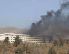 Así luce el hotel Intercontinental de Kabul, luego de los ataques. (Foto Prensa Libre:EFE)