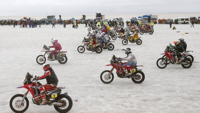 El Rally Dakar 2018 saldrá desde Perú, país ausente del recorrido desde 2013, y pasará por Bolivia antes de finalizar en Argentina, anunciaron oficialmente este miércoles los organizadores en una conferencia de prensa en París (Foto Prensa Libre: Hemeroteca PL)