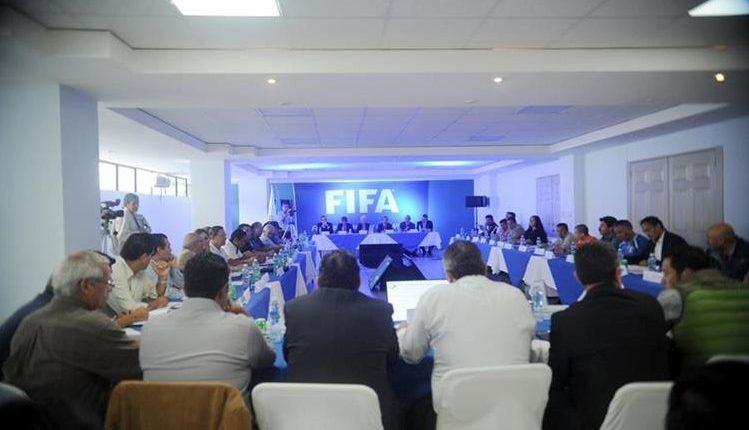El futbol guatemalteco tuvo un duro revés al ser suspendido por la Fifa en octubre de 2016. La suspensión aún no ha sido levantada. (Foto: Hemeroteca PL)