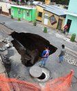 Un hundimiento se formó el año pasado a unos 150 metros del socavamiento, en la avenida Pablo VI. (Foto: Hemeroteca PL)