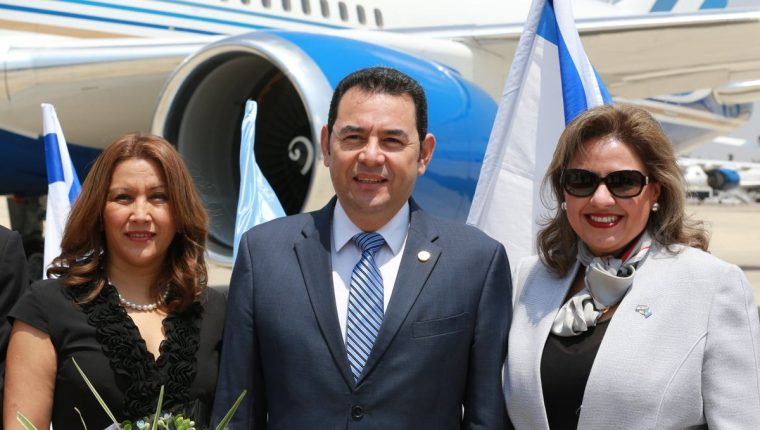 El presidente Jimmy Morales y la canciller Sandra Jovel estuvieron a cargo del traslado de la embajada de Guatemala a Jerusalén. (Foto Prensa Libre: @IsraelinGT)