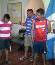 Cinco agentes de la PNC fueron capturados por extorsión en la subestación de San Manuel Chaparrón, Jalapa. (Foto Prensa Libre: Hugo Oliva)