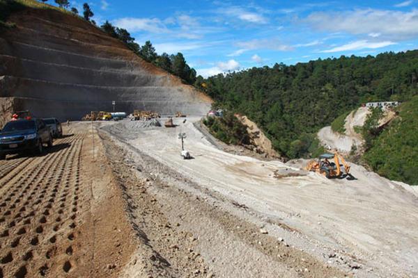 La infraestructura vial será una de las prioridades para mejorar en el Índice de Competitividad Global para Guatemala en 2021 se conoció en foro de Fundesa. (Foto Prensa Libre: Hemeroteca)
