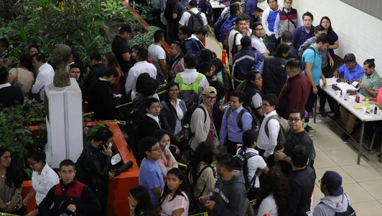 Las elecciones a Rector de la USAC, se realizaron en el campus central. (Foto Prensa Libre: Estuardo Paredes)